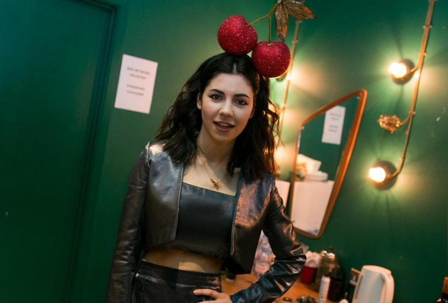 marina-backstage