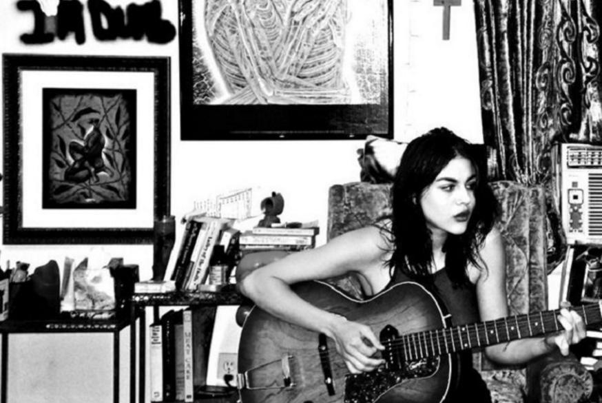 francesbean-guitar2