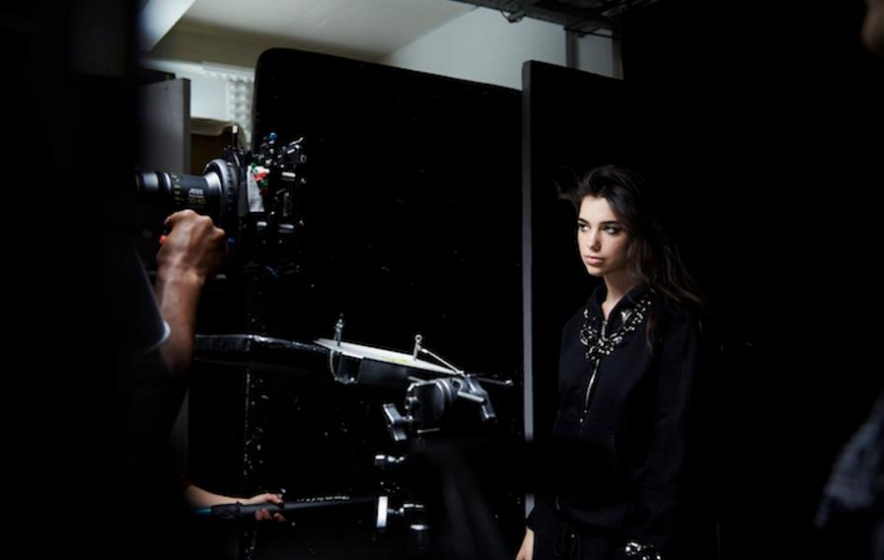 dualipa-room-shoot